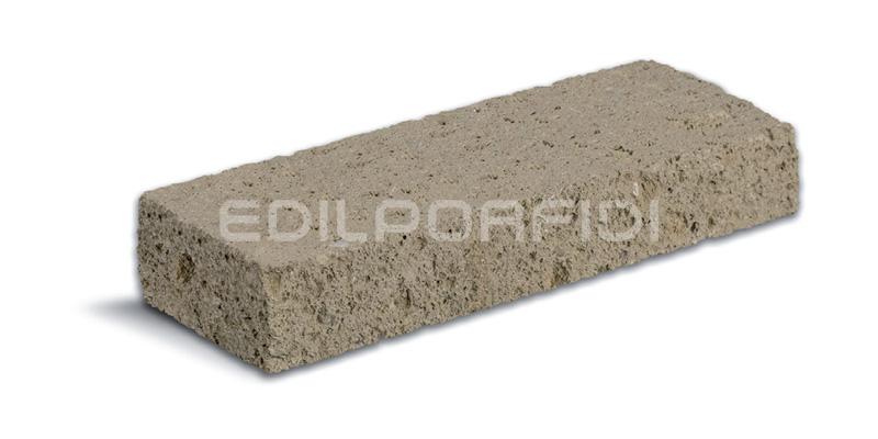 Bordure per aiuole in pietra tufo pietra indiana e granito for Bordure aiuole in tufo
