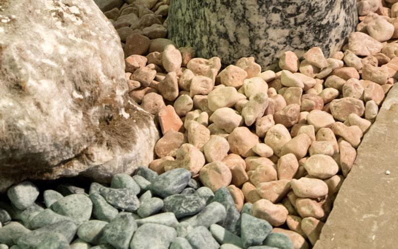 Pietre Da Giardino Prezzo : Pietre da giardino per decoro e pavimentazione