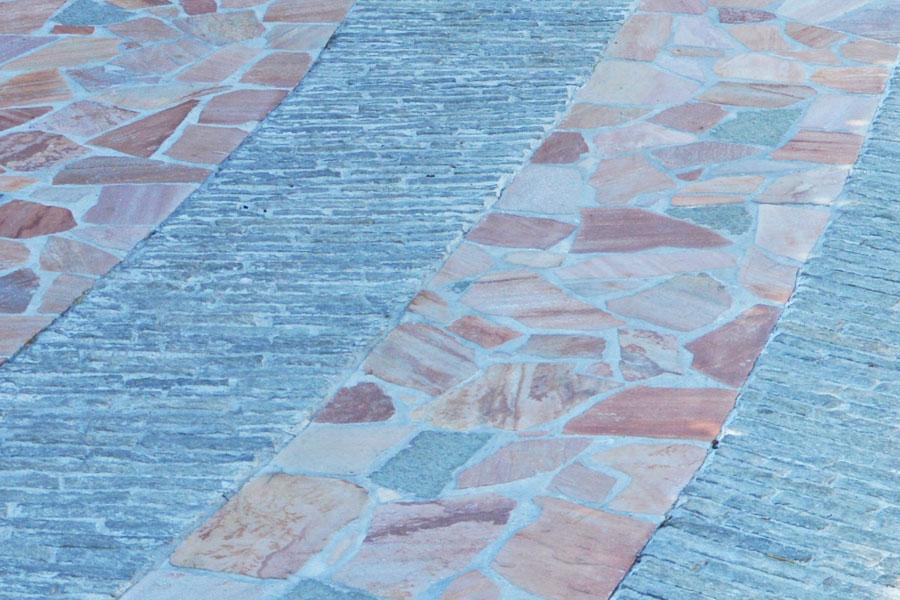 Pavimentazione esterna in pietra di luserna