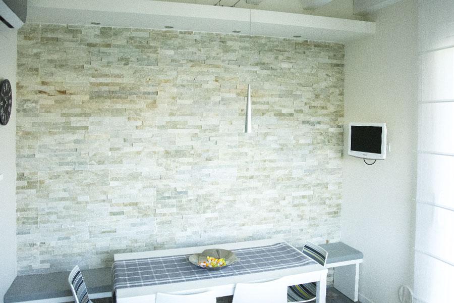 Free awesome muro interno in pietra di privata a chiuduno - Pietre decorative per interni ...